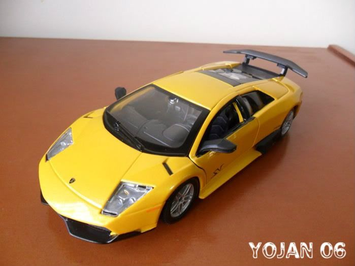 Lamborghini Murcielago LP670-4 SV, escala 1:24 SAM_0781