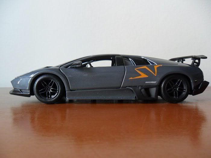 Lamborghini Murcielago LP670-4 SV China Limited Edition 1/24 SAM_1697
