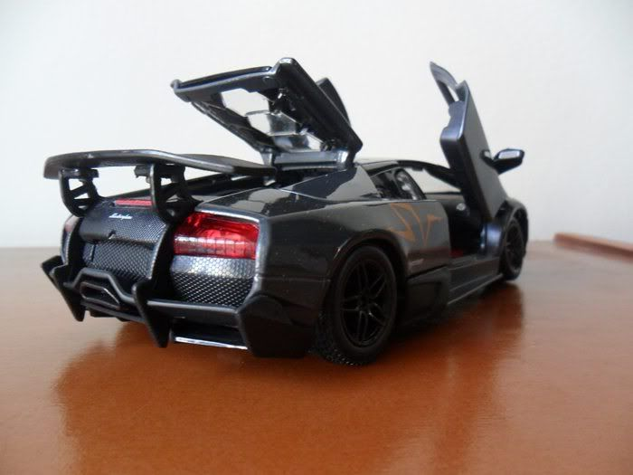 Lamborghini Murcielago LP670-4 SV China Limited Edition 1/24 SAM_1709