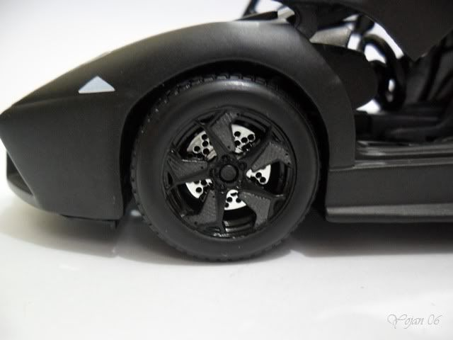 Lamborghini Reventon, escala 1:24 SAM_2178