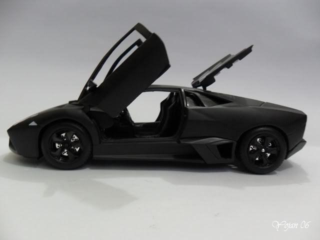 Lamborghini Reventon, escala 1:24 SAM_2186