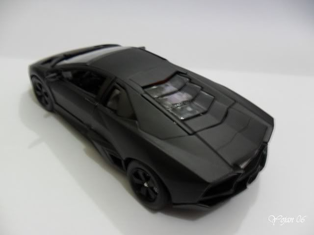 Lamborghini Reventon, escala 1:24 SAM_2190