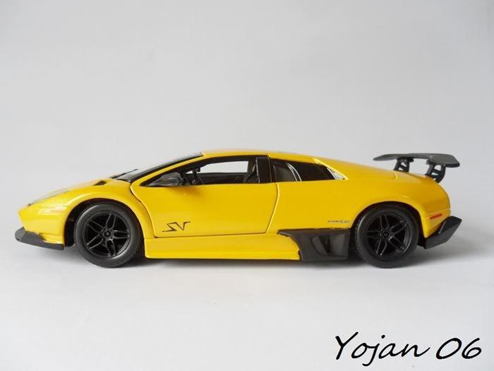 Lamborghini Murcielago LP670-4 SV, escala 1:24 SAM_3865