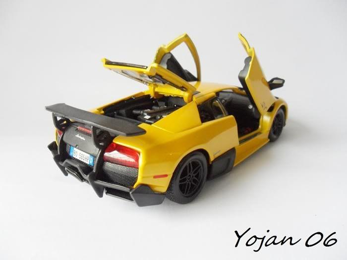 Lamborghini Murcielago LP670-4 SV, escala 1:24 SAM_3874