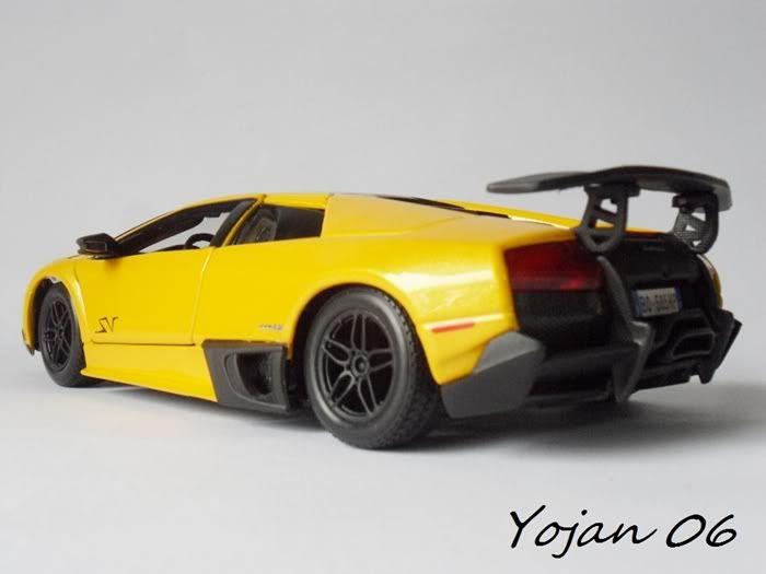 Lamborghini Murcielago LP670-4 SV, escala 1:24 SAM_3881