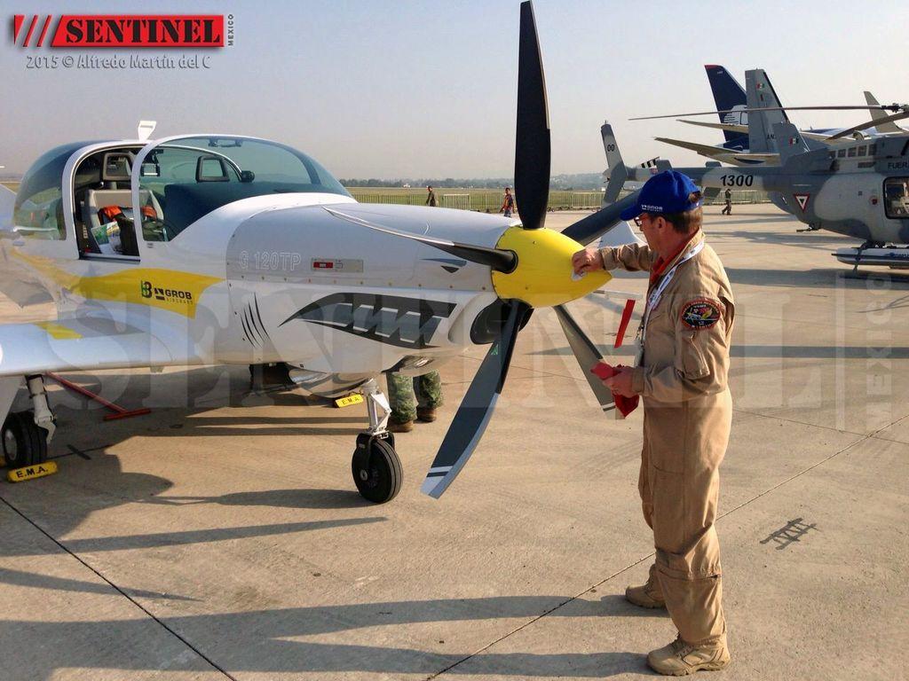 aeronaves - La Fuerza Aérea Mexicana compra 25 aeronaves turbohélice Grob G120TP. - Página 7 10497289_566102793493378_3740859791818818397_o_zpsp0nkadfd