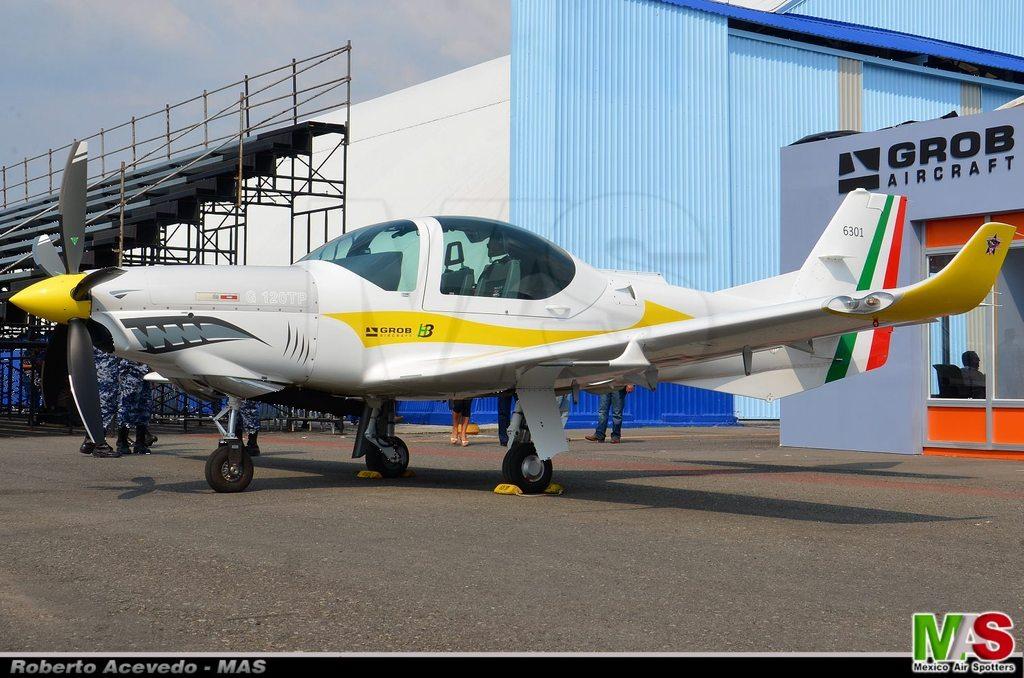aeronaves - La Fuerza Aérea Mexicana compra 25 aeronaves turbohélice Grob G120TP. - Página 7 11174708_824102781006737_1472680797100645432_o_zpsyrovy8gu