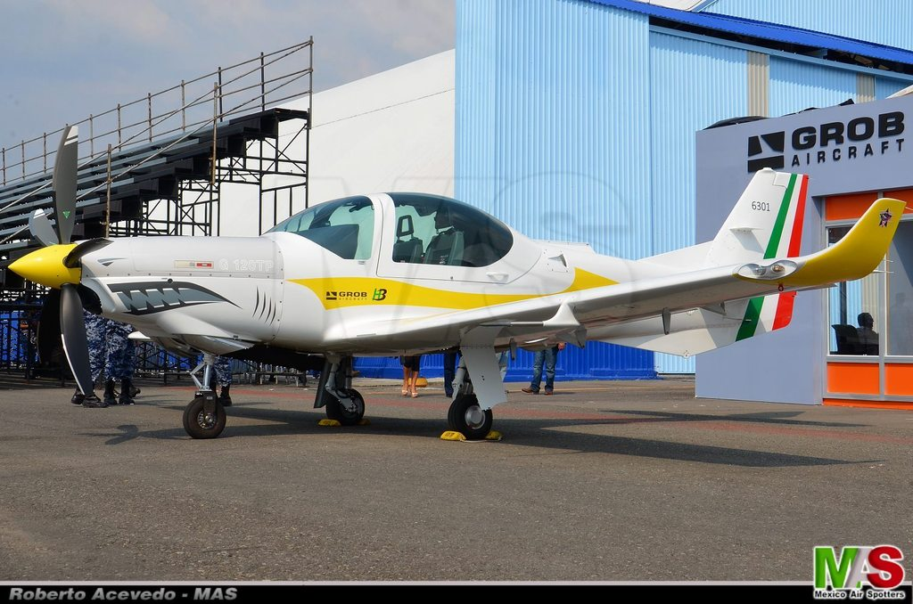 La Fuerza Aérea Mexicana compra 25 aeronaves turbohélice Grob G120TP. - Página 7 11174708_824102781006737_1472680797100645432_o_zpsyrovy8gu