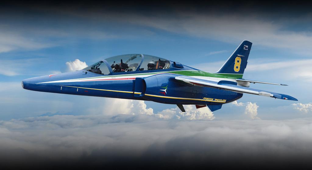 aeronaves - La Fuerza Aérea Mexicana compra 25 aeronaves turbohélice Grob G120TP. - Página 7 Trainers_bg_zpstv47ti44