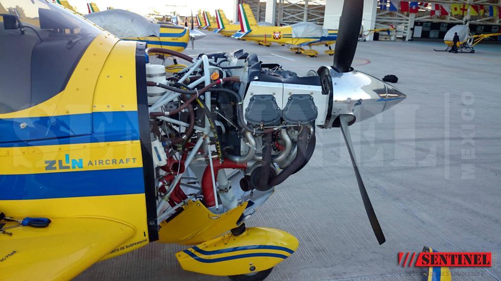 Adquisición de 10 nuevos aviones Zlin 242L para Adiestramiento Basico SEMAR - Página 8 10479099_509350509168607_6713019020516643438_o_zps360fe9f9