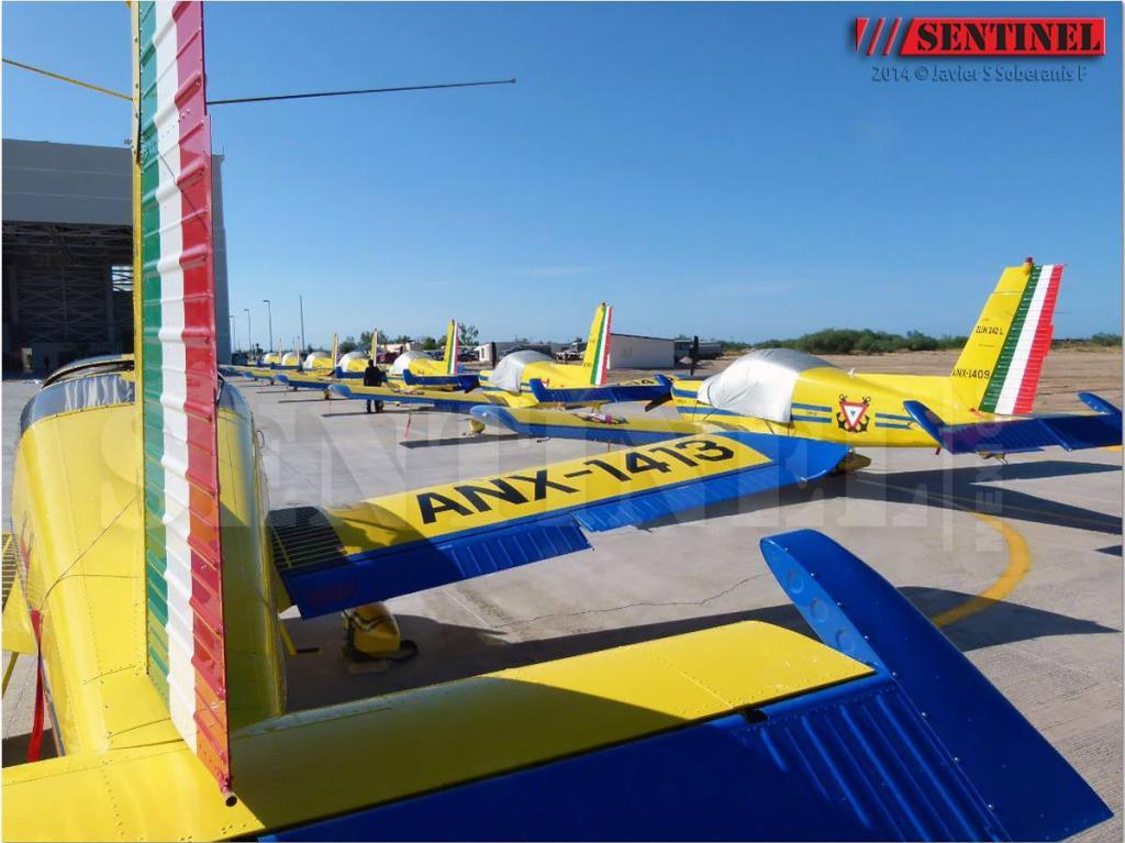 Adquisición de 10 nuevos aviones Zlin 242L para Adiestramiento Basico SEMAR - Página 8 10688325_509352419168416_5051256294475339145_o_zps1c8051f0