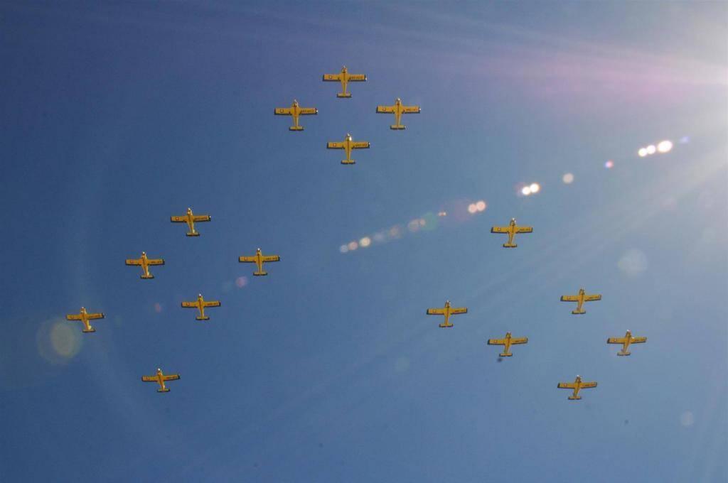 Adquisición de 10 nuevos aviones Zlin 242L para Adiestramiento Basico SEMAR - Página 8 10688413_592860047485466_4183997170031216320_o_zpsa090665c