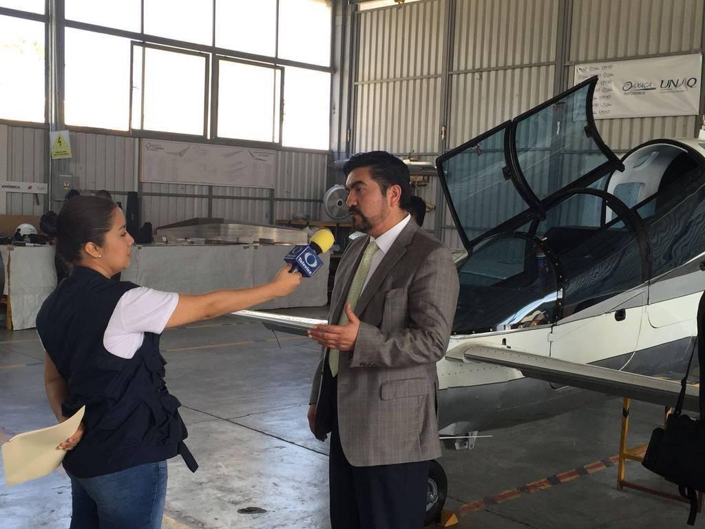 Pegasus PE-210 A (primer avion atctual de origen mexicano)(prototipo) - Página 2 12783612_1338380339521300_8345271941815586035_o_zpsroizbek9