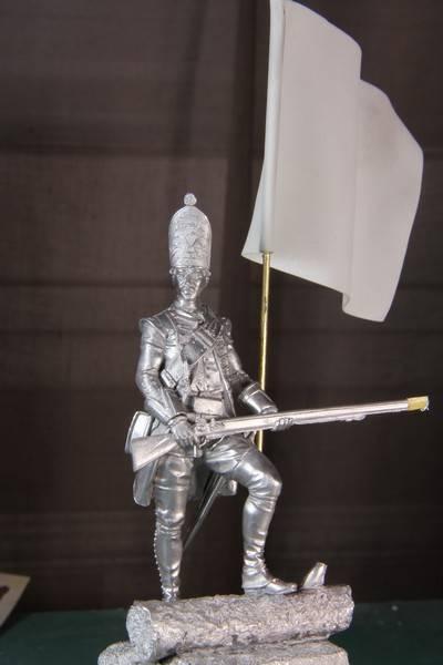 Grenadier 18th Foot  et officier porte drapeau (ensign)- Enfin terminé ! PHOTOS FINALES IMG_0251_zpsca229caa