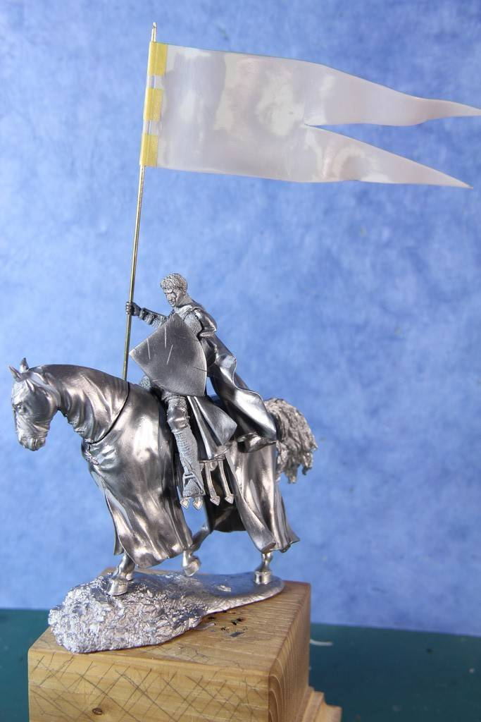 Chevalier porte - Etendard fin XIII ème - Photos finales IMG_3726_zpssrada9iz