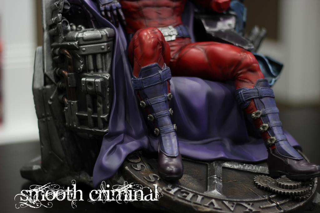 Premium Collectibles : Magneto on Sentinel Throne - Page 13 MAG11_zpsc0212be2