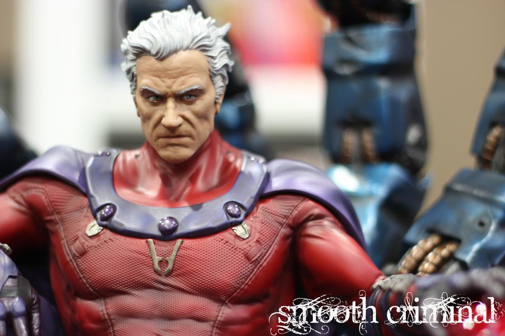 Premium Collectibles : Magneto on Sentinel Throne - Page 13 MAG14_zps7b4aeee6