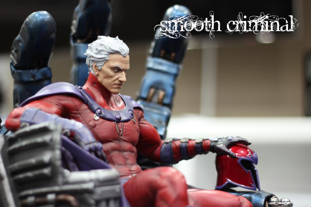 Premium Collectibles : Magneto on Sentinel Throne - Page 13 MAG15_zps6d4bce6c