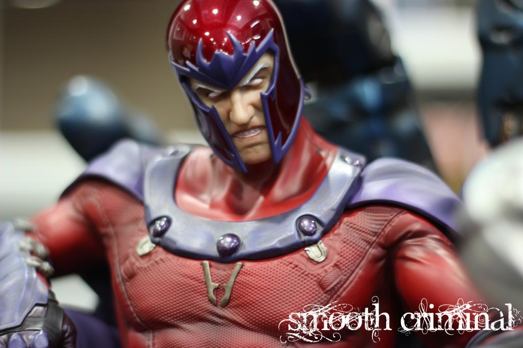 Premium Collectibles : Magneto on Sentinel Throne - Page 13 MAG16_zpsbd2c00e6
