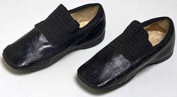 A trend in footwear Straight%20shoe%202_zpsd5duvwa9