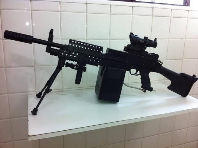 Uma verdadeira S.A.W. : A5 M249W IMG_1163