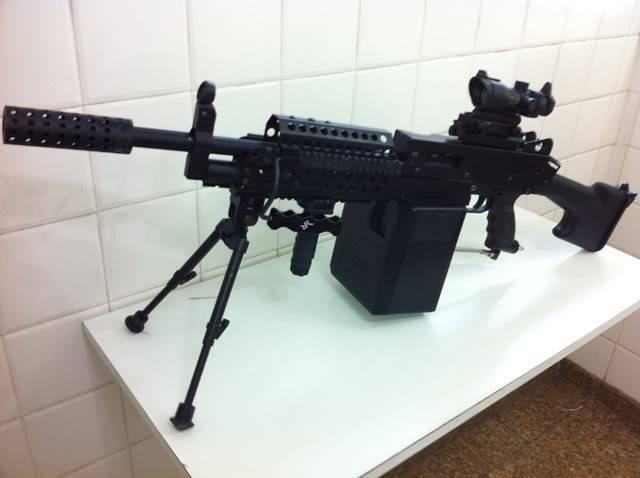 Uma verdadeira S.A.W. : A5 M249W IMG_1164