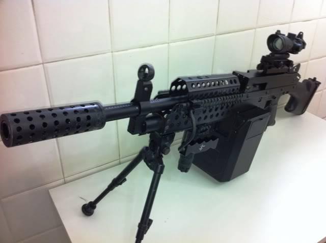 Uma verdadeira S.A.W. : A5 M249W IMG_1165