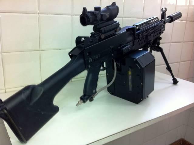 Uma verdadeira S.A.W. : A5 M249W IMG_1171