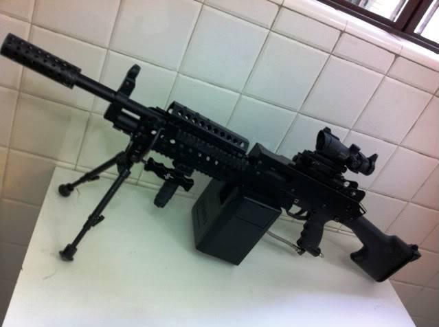 Uma verdadeira S.A.W. : A5 M249W IMG_1177