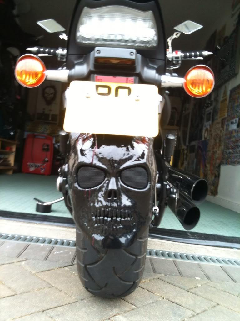 Decorative Custom Rear Skull Extention Suzuki M800 / M50 324c1a03
