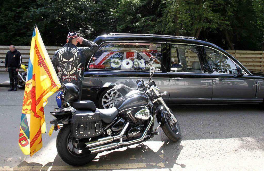 The Punisher .......... 2005 Suzuki M50 VZ800 PAPICTURE