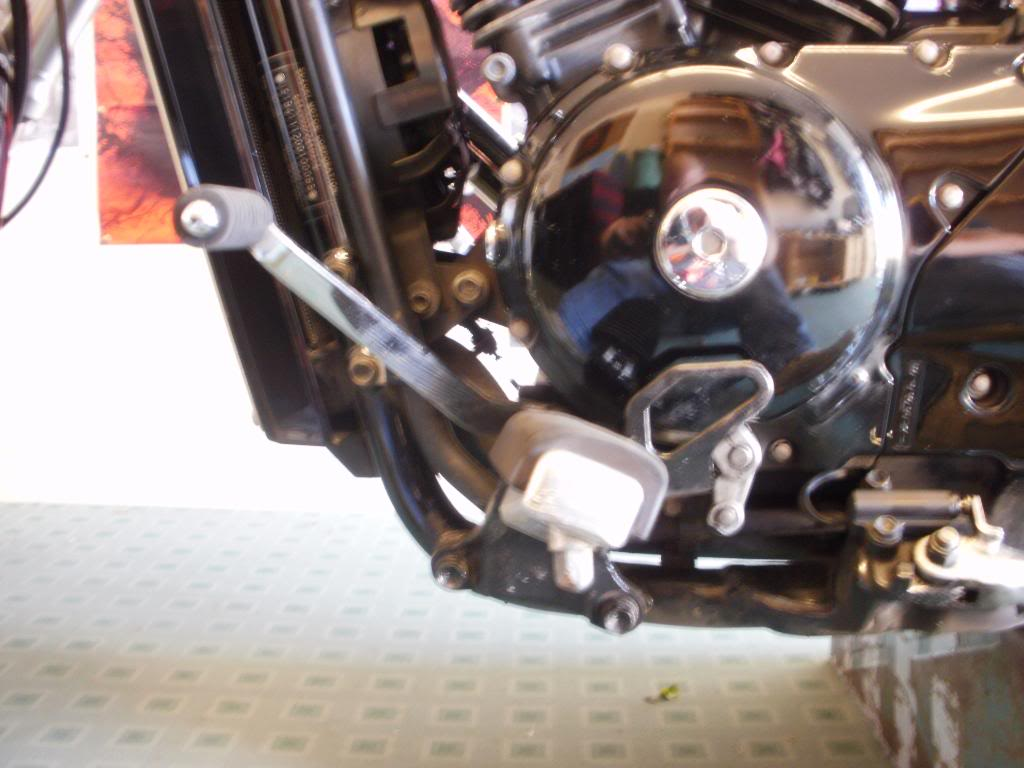 forward controls Fitted to VZ800 P5240250