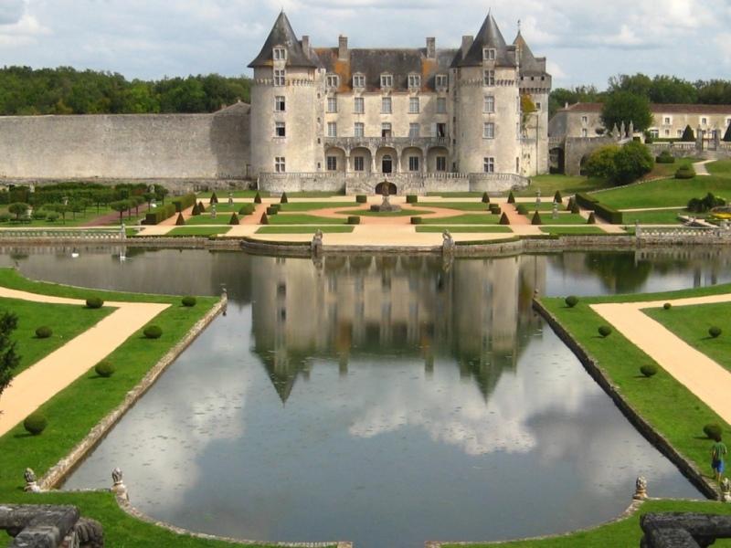 le château de La Roche Courbon Charente Maritime IMG_1332FILEminimizer-1