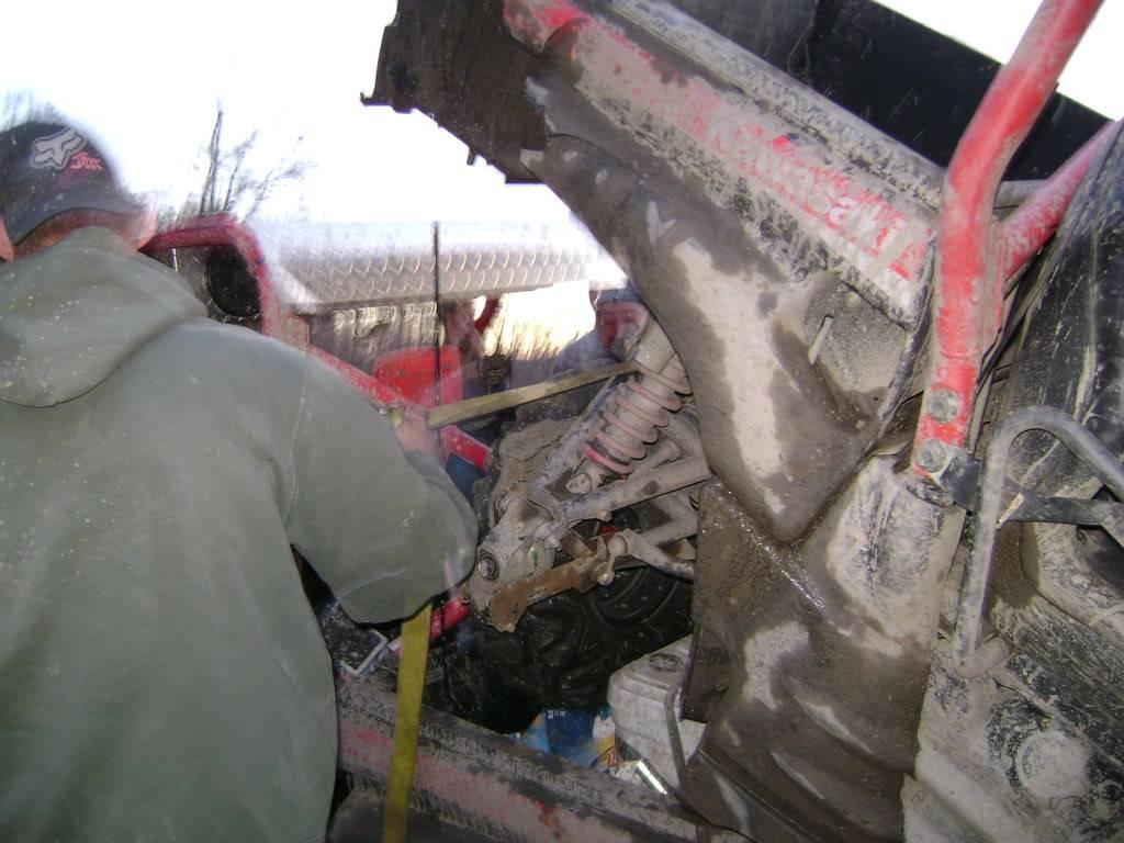 Broken rear hub DSC00960