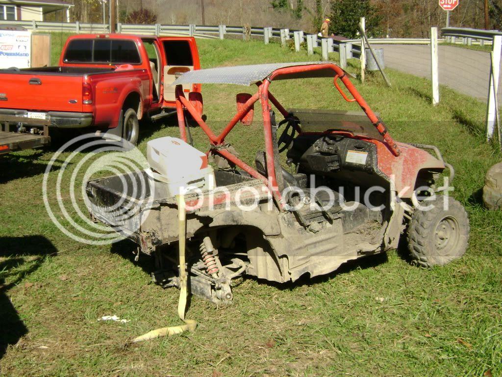 Broken rear hub DSC00969