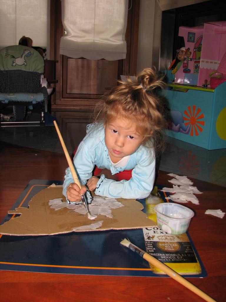 Bauletto in decoupage e la mia piccola al lavoro IMG_6069-1