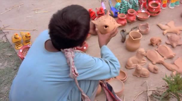 Matir Moyna (Bangladesh, 2002) The Clay Bird OPssaro05
