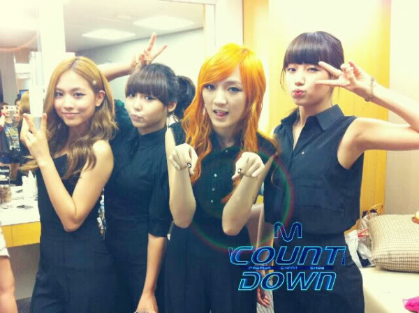 """[NOT] miss A makes a """"Good Bye Baby"""" comeback on M! Countdown 20110721_missa_backstage_mcd_2"""