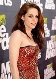 MTV Movie Awards 2011 - Página 4 Th_MMAtapete033
