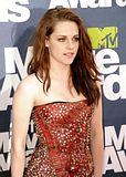 MTV Movie Awards 2011 - Página 4 Th_MMAtapete053