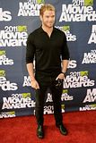 MTV Movie Awards 2011 - Página 4 Th_MMAtapete070