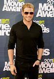 MTV Movie Awards 2011 - Página 4 Th_MMAtapete076