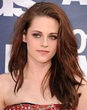 MTV Movie Awards 2011 - Página 4 Th_MMAtapete110
