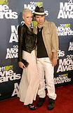 MTV Movie Awards 2011 - Página 4 Th_MMAtapete164