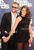 MTV Movie Awards 2011 - Página 4 Th_MMAtapete170