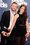 MTV Movie Awards 2011 - Página 4 Th_MMAtapete171
