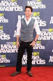 MTV Movie Awards 2011 - Página 4 Th_MMAtapete180