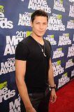 MTV Movie Awards 2011 - Página 4 Th_MMAtapete192