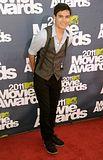 MTV Movie Awards 2011 - Página 4 Th_MMAtapete201