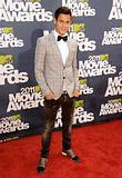 MTV Movie Awards 2011 - Página 4 Th_MMAtapete207
